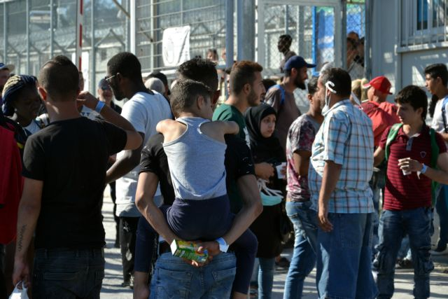 Ρεκόρ ντροπής: Πάνω από 10.000 εγκλωβισμένοι πρόσφυγες στη Μόρια | tanea.gr