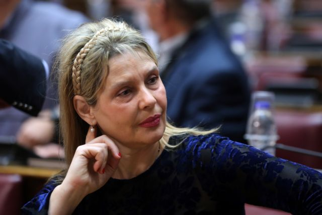 Οταν η Κατερίνα Παπακώστα έβριζε τον Τσίπρα «αμοραλιστή, θλιβερό και ευρωλάγνο» | tanea.gr