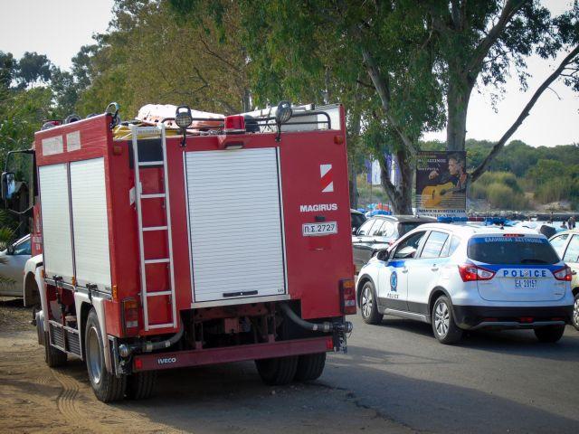 Φωτιά σε συνεργείο αυτοκινήτων στον Ταύρο | tanea.gr