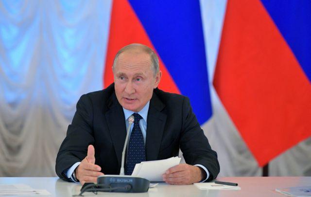Το Κρεμλίνο θα μελετήσει τις νέες αμερικανικές κυρώσεις | tanea.gr