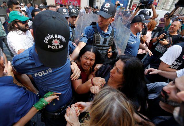 Αντικείμενο εκμετάλλευσης από «τρομοκράτες» η διαδήλωση Μητέρες του Σαββάτου | tanea.gr