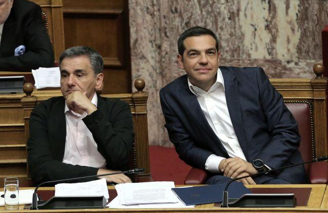 Συνεχίζεται το ρεσιτάλ παροχολογίας της κυβέρνησης | tanea.gr