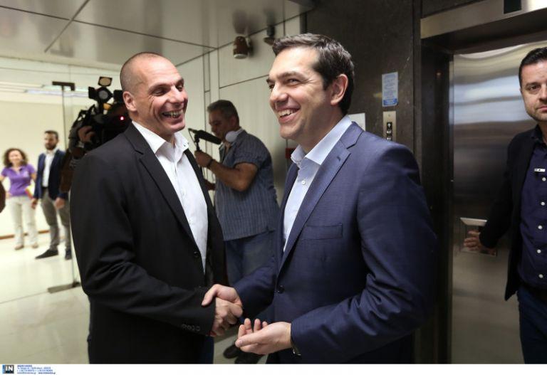 Βαρουφάκης: Λάθος που εμπιστεύτηκα τον Τσίπρα – Λύση να επιστρέψουμε στη δραχμή | tanea.gr