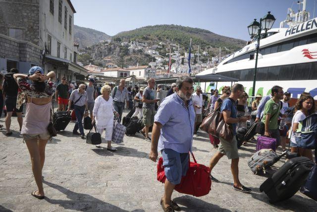 Οργή κατοίκων και τουριστών στην Υδρα - Υποθαλάσσια η βλάβη | tanea.gr