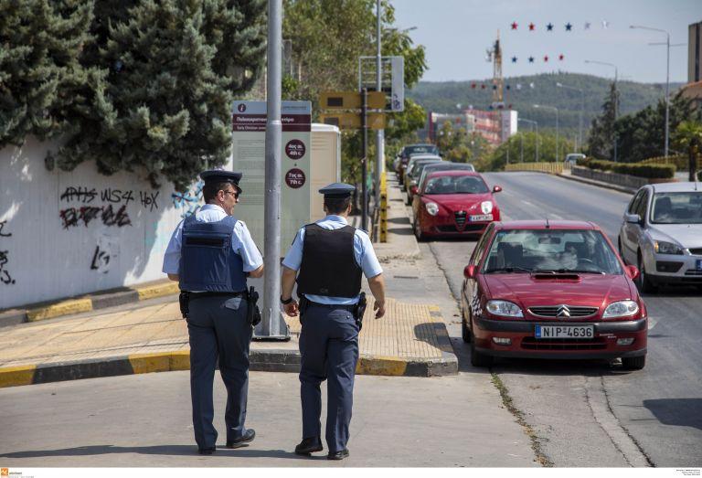 Θεσσαλονίκη: Αστυνομικός παρέσυρε 10χρονο κορίτσι   tanea.gr