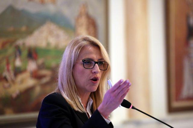Δούρου: Οι διχαστικές λογικές οδήγησαν σε καταστροφές τον τόπο | tanea.gr