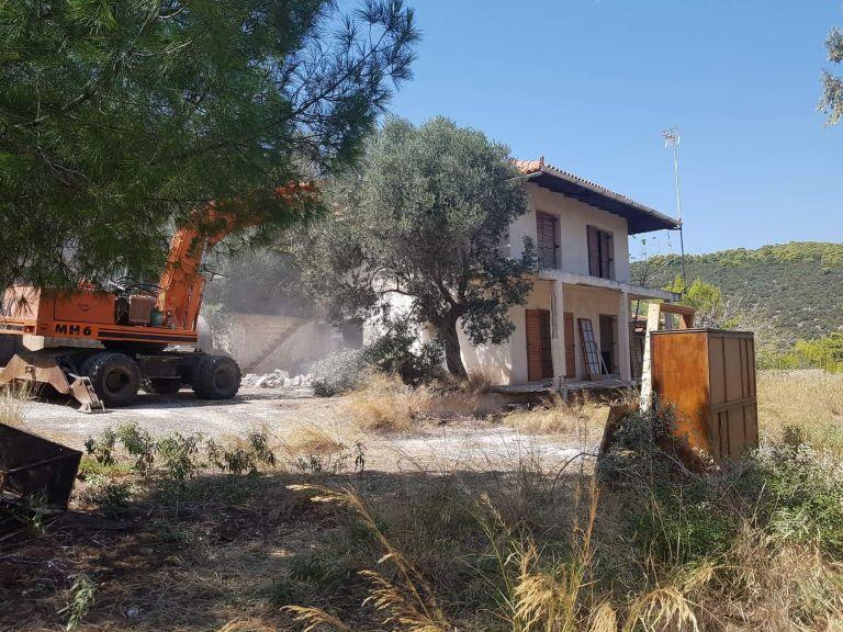 Νέες κατεδαφίσεις αυθαιρέτων σε αιγιαλούς και δάση   tanea.gr