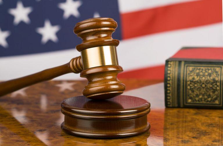ΗΠΑ: Καταθέτουν αύριο οι δυο πρώην συνεργάτες του Στόουν | tanea.gr