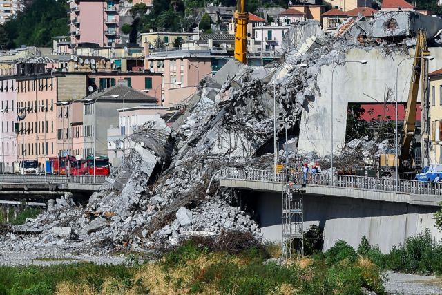 «Σίγησε» η Γένοβα ένα μήνα μετά την κατάρρευση της οδογέφυρας | tanea.gr