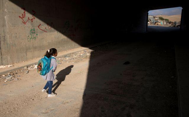 Δεσμεύσεις Μακρόν-Μέι-Τριντό: Θέση για όλα τα κορίτσια στην εκπαίδευση | tanea.gr