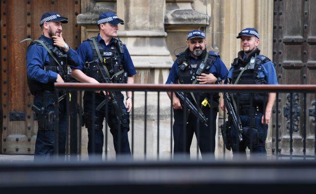 Το Brexit σπέρνει το φόβο για κοινωνικές «αναταραχές» | tanea.gr