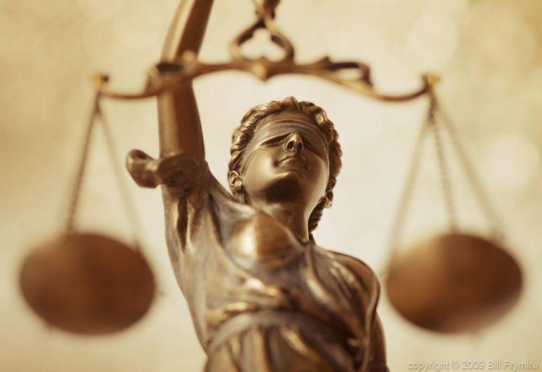 Ινδία: Η μοιχεία παύει να είναι ποινικό αδίκημα | tanea.gr