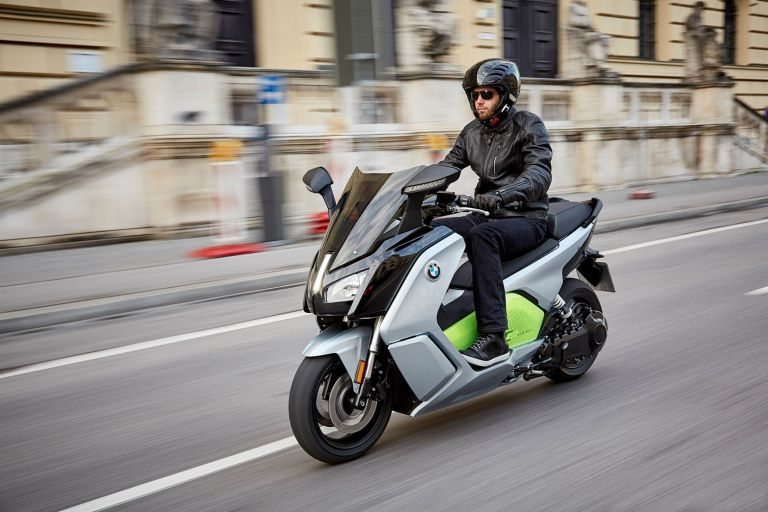 Από μικρή σε μεγάλη μοτοσικλέτα. Τι πρέπει να γνωρίζει ο αναβάτης   tanea.gr