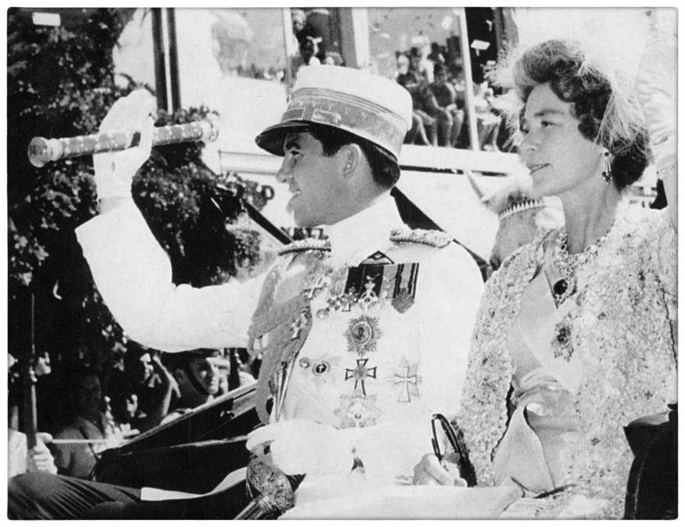 Ο βασιλικός γάμος στην Αθήνα με τις 10.000 κόκκινες γλαδιόλες | tanea.gr