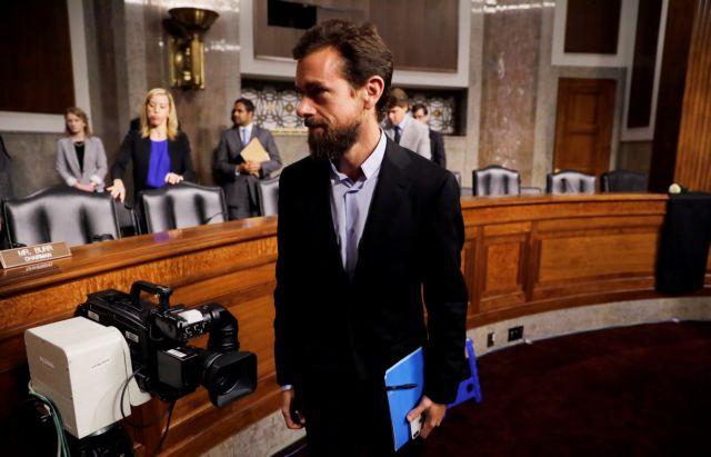 Στελέχη των Facebook Inc και Twitter Inc υπερασπίστηκαν τις εταιρίες τους | tanea.gr