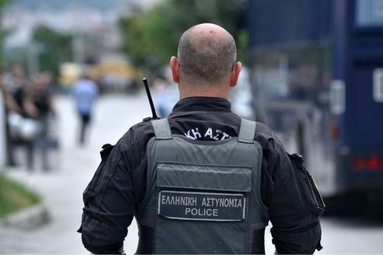 FBI, χιλιάδες αστυνομικοί, ελικόπτερα: Φρούριο η Θεσσαλονίκη | tanea.gr