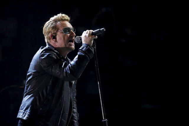 Ο Μπόνο των U2 «έχασε» τη φωνή του σε συναυλία | tanea.gr