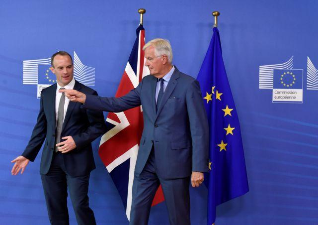 «Aνοικτός» σε παράταση διαπραγματεύσεων για το Brexit ο Μπαρνιέ | tanea.gr