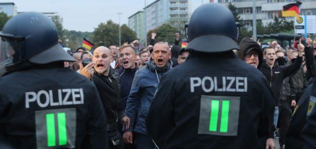 Καζάνι που βράζει η Γερμανία: Νέες συγκρούσεις στο Κέμνιτς | tanea.gr