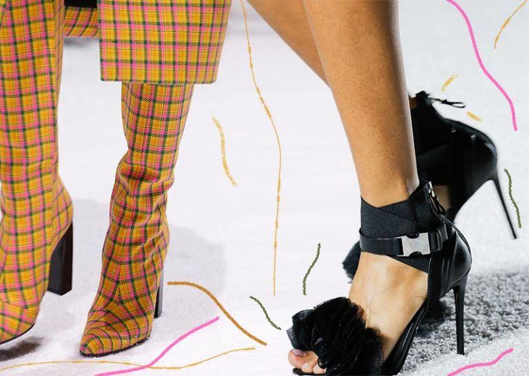 Και στα παπούτσια κυριαρχούν τα χρώματα και τα ιδιαίτερα σχέδια | tanea.gr