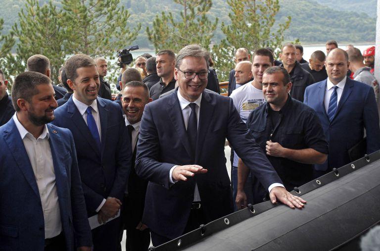 Μπλόκο Αλβανών σε επίσκεψη του προέδρου της Σερβίας | tanea.gr