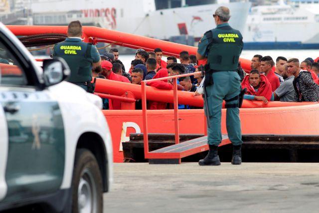 Οι διακινητές μεταναστών είναι συνήθως δημόσιοι υπάλληλοι | tanea.gr