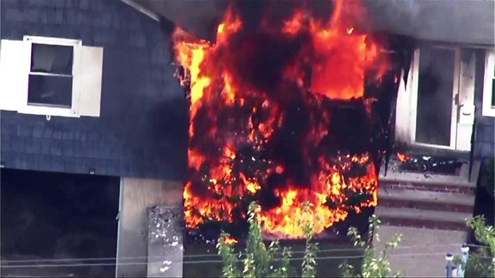 Ενας νεκρός  και 12 τραυματίες από εκρήξεις και πυρκαγιές στη Βοστώνη | tanea.gr