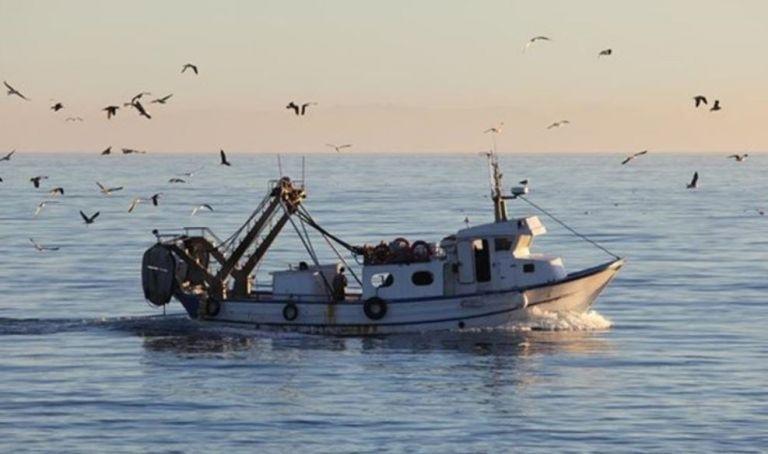 Προκλητικοί οι τούρκοι ψαράδες, ρίχνουν… δίχτυα σε «θερμό» επεισόδιο | tanea.gr