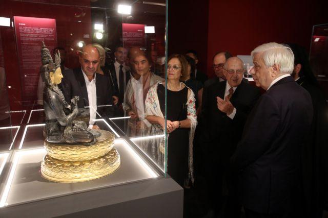 Παρουσία του ΠτΔ εγκαινιάστηκε έκθεση με αντικείμενα του Κινέζου Αυτοκράτορα Τσιανλόγκ | tanea.gr