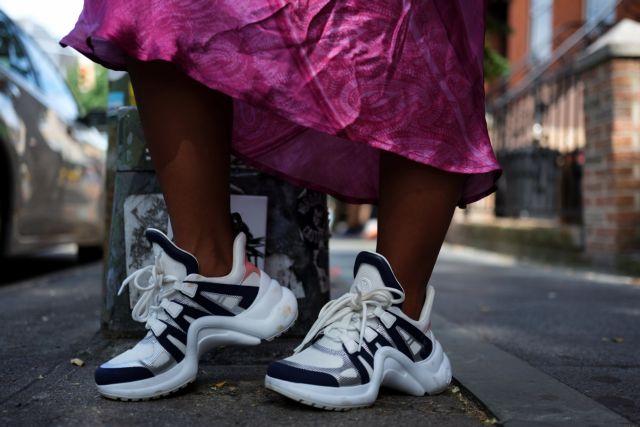 9d61f7126a3 Η μόδα επιτάσσει sneakers με εντυπωσιακά σχέδια και χρώματα - ΤΑ ΝΕΑ