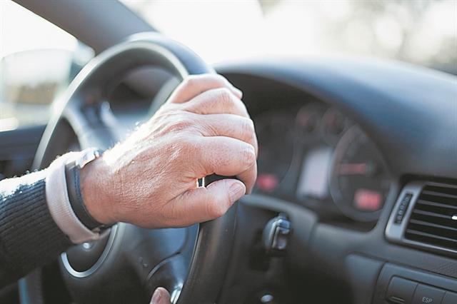 200.000 οδηγοί καλούνται για εξετάσεις | tanea.gr