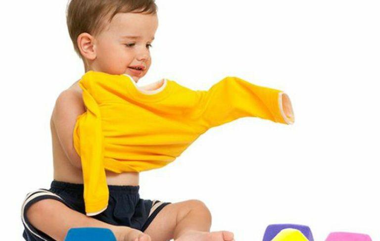 Πως θα αποφύγεις τον καβγά με το παιδί σου για το ντύσιμο | tanea.gr
