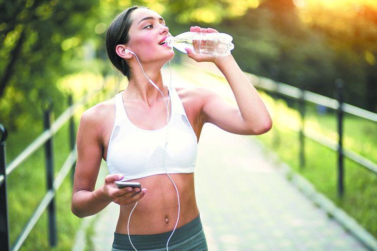 «Φάρμακο» για τις ουρολοιμώξεις αποτελεί το νερό   tanea.gr