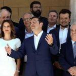 «Βουλιάζουν» τη χώρα: Αδυνατεί ο Τσίπρας να ελέγξει την κυβέρνησή του
