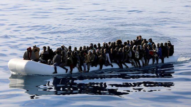 Νέο φονικό ναυάγιο στη Μεσόγειο - 34 πρόσφυγες νεκροί | tanea.gr
