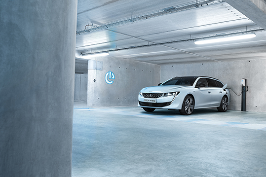 H Peugeot φουλάρει με ηλεκτρικά μοντέλα από το 2020 | tanea.gr