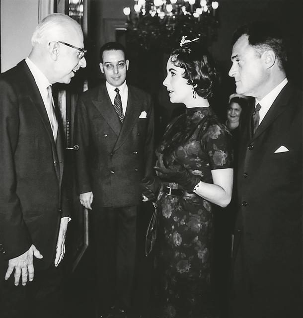 Οταν η Λιζ Τέιλορ συνάντησε τον Ξενοφώντα Ζολώτα | tanea.gr