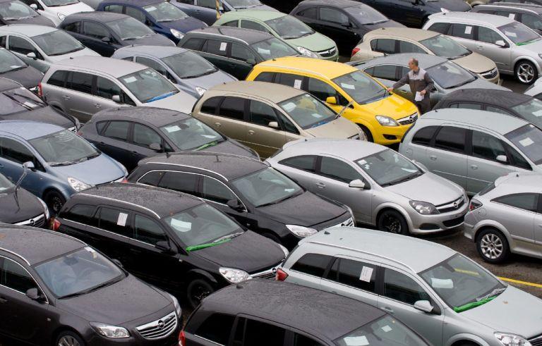 Απάτη με πλαστές ασφάλειες αυτοκινήτου - Δείτε αν είναι γνήσια η δική σας | tanea.gr