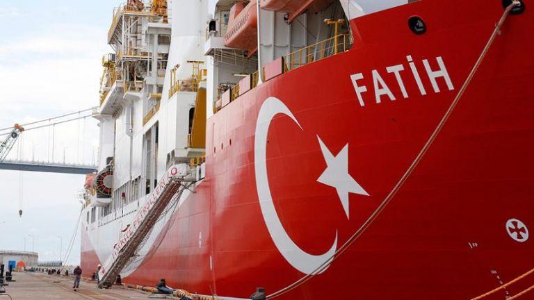Ο «Πορθητής» έφτασε μετ' εμποδίων στο σημείο που θα γίνει η γεώτρηση | tanea.gr