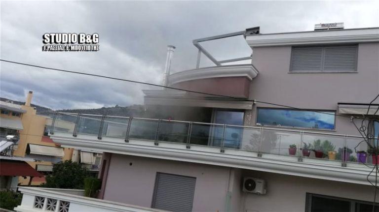 Τραγωδία στο Αργος : Κλειδώθηκε στο μπάνιο και γλίτωσε - Σκότωσε την 11χρονη κόρη της | tanea.gr