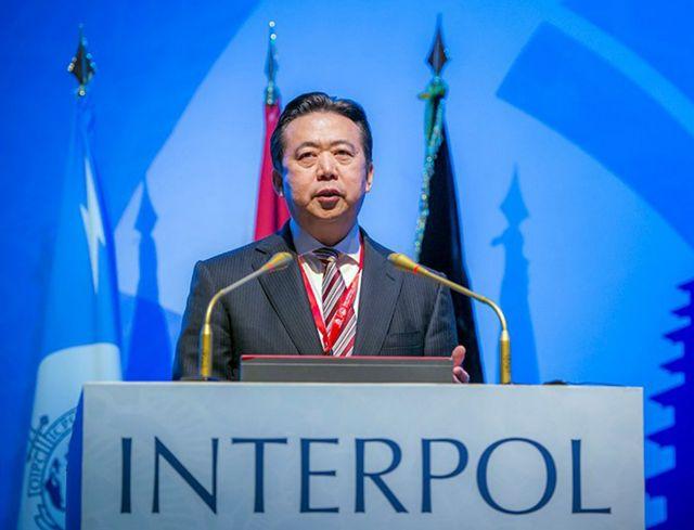 Για δωροδοκία κατηγορείται ο παραιτηθείς αρχηγός της Ιντερπόλ | tanea.gr