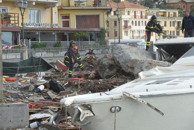 Δοκιμάζεται η Ιταλία από την κακοκαιρία: 11 νεκροί | tanea.gr