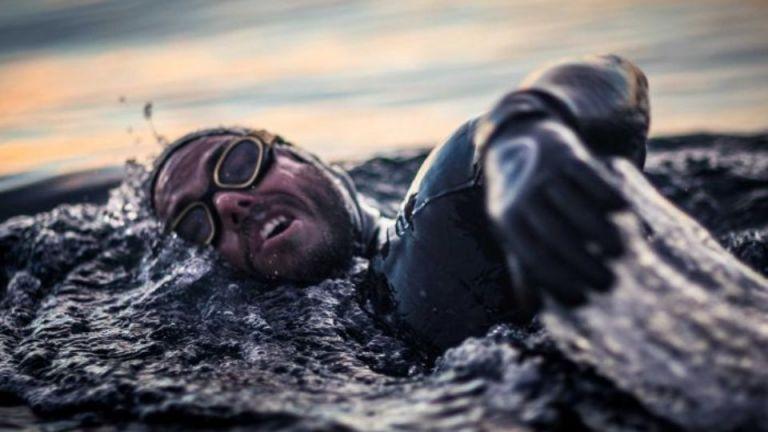 Ο γύρος της Βρετανίας σε 157 μέρες... κολυμπώντας! (video) | tanea.gr