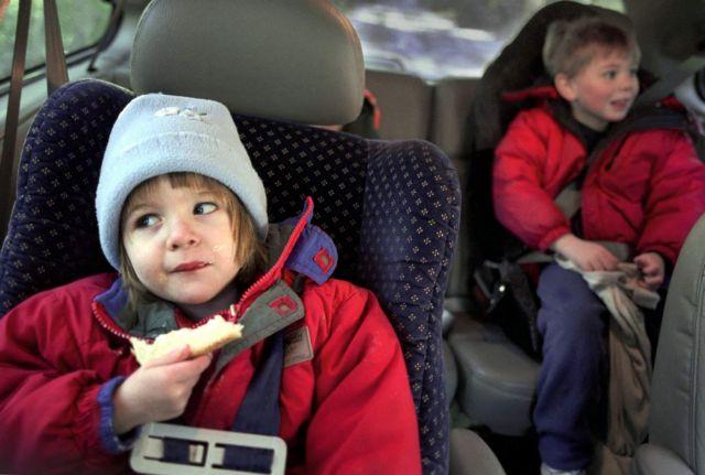 Νέα καμπάνια για την ανάγκη χρήση ζώνης ασφαλείας και στο πίσω κάθισμα | tanea.gr