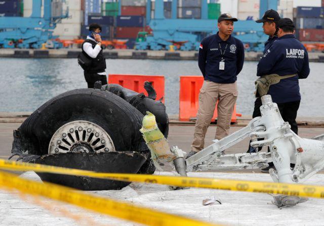 Φως στα αίτια του μοιραίου αεροπορικού δυστυχήματος στην Ινδονησία | tanea.gr