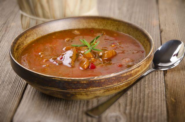 Κρεατόσουπα με λαχανικά | tanea.gr