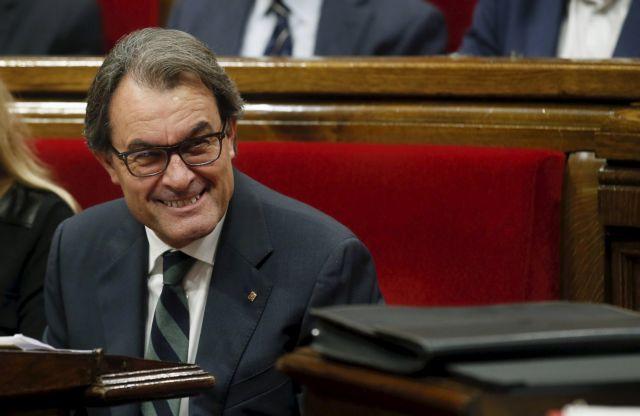 Πρόστιμο 4,9 εκατ. ευρώ στον πρώην πρόεδρο της Καταλωνίας   tanea.gr
