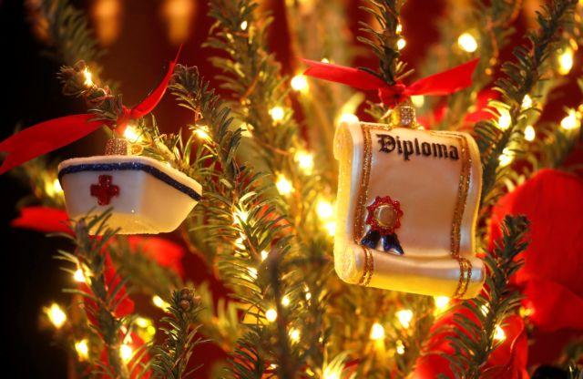 Η Μελάνια έφερε τα Χριστούγεννα στον Λευκό Οίκο | tanea.gr
