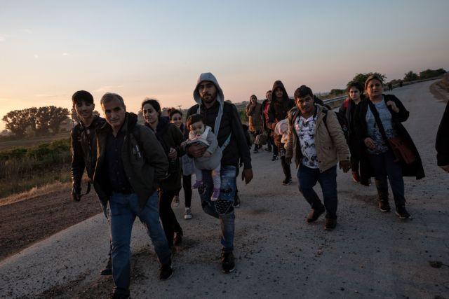 Ανεξέλεγκτες οι ροές μεταναστών στον Εβρο | tanea.gr