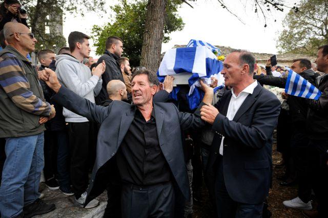 Μετά την κηδεία: Κρατούν και ανακρίνουν ομογενείς στο Αργυρόκαστρο | tanea.gr